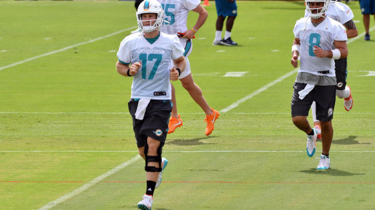 Ryan Tannehill injured in Dolphins camp, people already want Colin Kaepernick