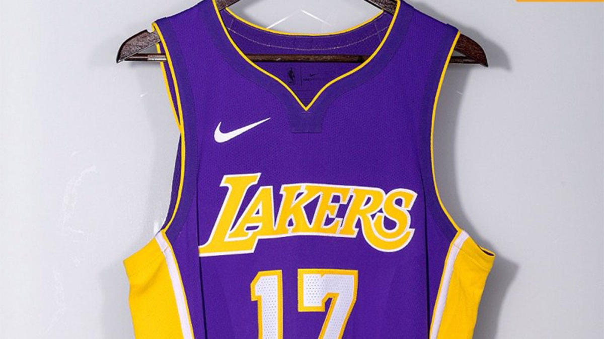 premium selection d2251 22645 LOOK: Lonzo Ball helps reveal Lakers' new Nike uniforms for ...