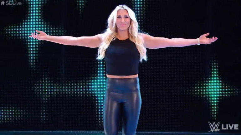 look charlotte flair rocks pinstripes as a special guest at yankees