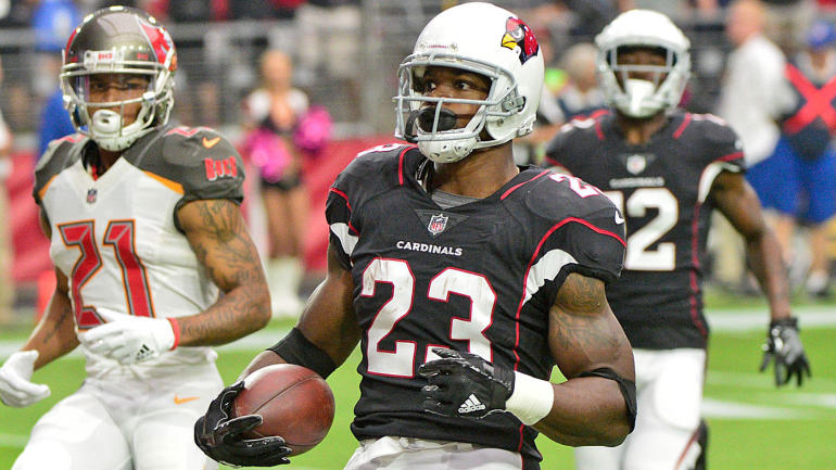 Adrian peterson runs roughshod over the buccaneers in first game adrian peterson runs roughshod over the buccaneers in first game as a cardinal cbssports voltagebd Image collections