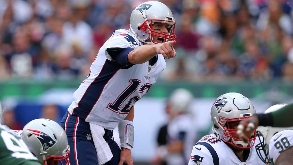 LOOK: Tom Brady is not a happy camper after the Jets jump out to early lead