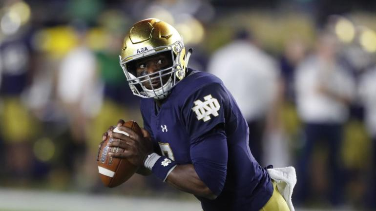 AP Top 25 poll: Notre Dame makes its big move to No. 9, Michigan falls out