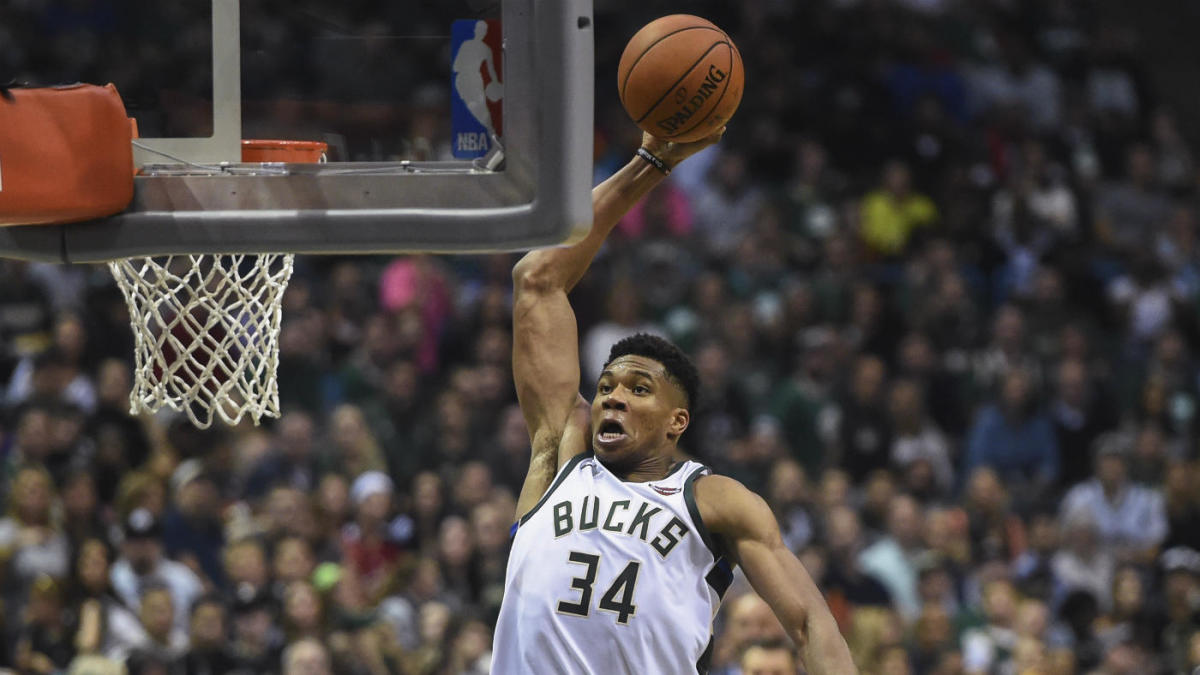 new concept 59eeb 14e97 Giannis Antetokounmpo re-signs with Nike, will reportedly get signature  shoe - CBSSports.com