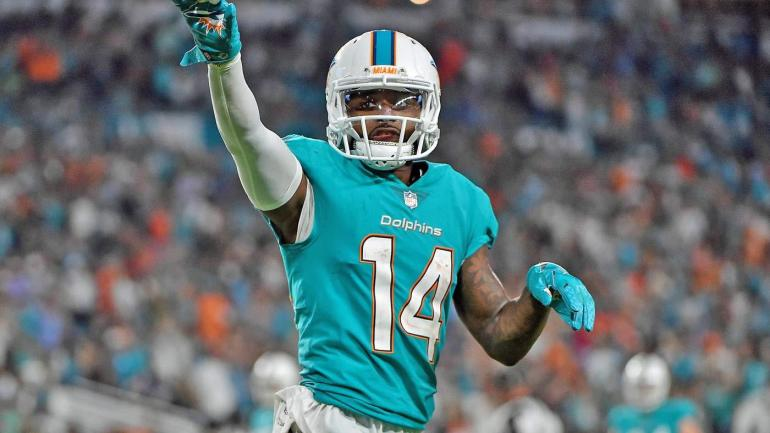 Jarvis Landry won t hit free agency after Dolphins use franchise tag on  wideout - CBSSports.com 2b555bc8c