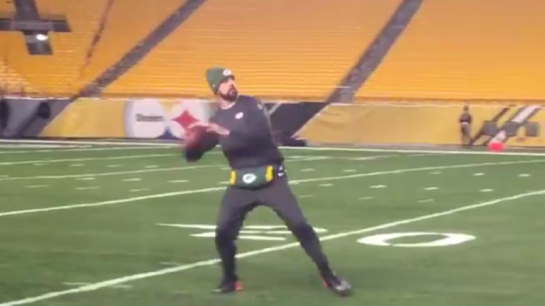 LOOK Aaron Rodgers Is Already Throwing 50 Yard Bombs Just Six Weeks After Surgery