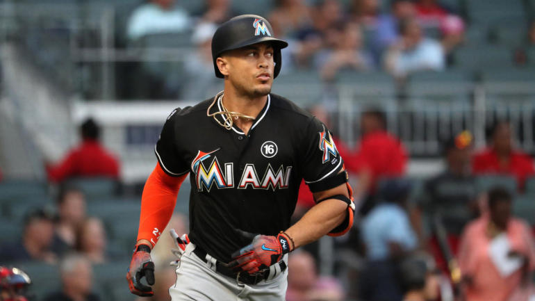 Mlb Hot Stove Yankees Reportedly Close To Trading For Giancarlo