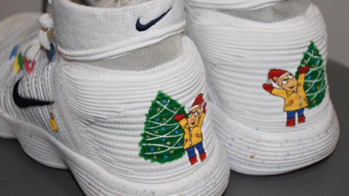 d68e6f1b2ebd LOOK: Warriors' Draymond Green trolls LeBron on Christmas with Arthur shoes  - CBSSports.com