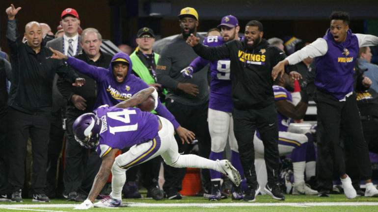 Diggs helps Vikings exorcise playoff demons