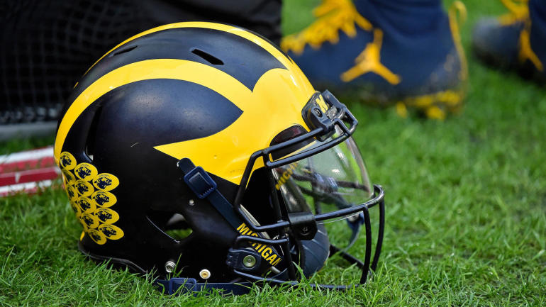 michigan-wolverines-football-helmet.jpg