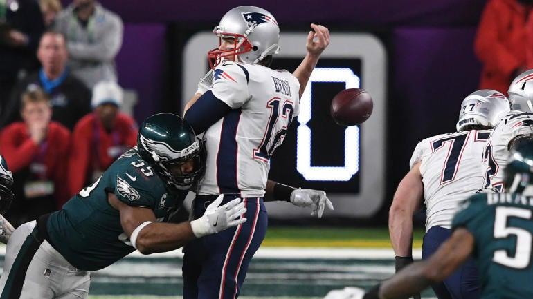 Ncaa Football Rankings >> WATCH: Eagles pull strip-sack of Tom Brady that helps clinch wild Super Bowl win - CBSSports.com