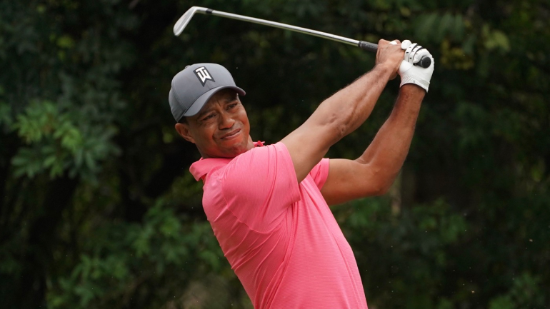 tiger woods score today  victory within reach after strong