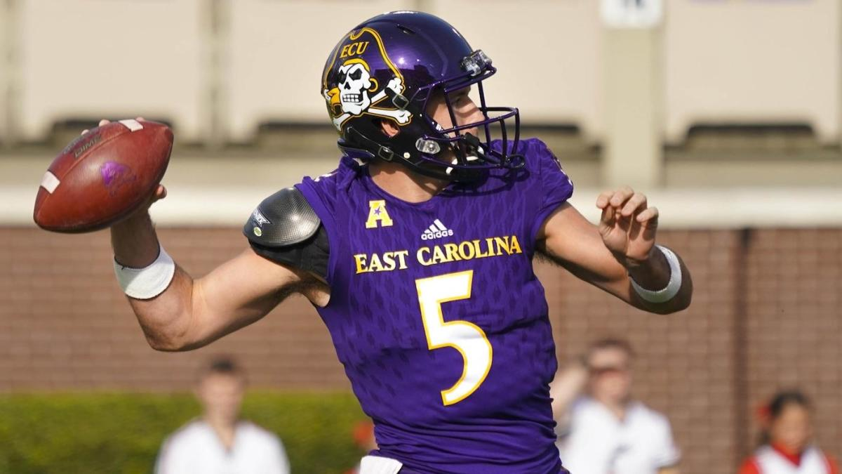 Gardner Minshew once tried to break his own hand in college to help his career; the legend grows