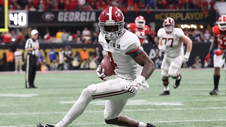 Report: Alabama WR Jerry Jeudy out after surgery for a meniscus injury