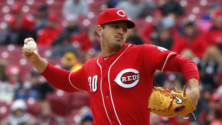Fantasy Baseball Waiver Wire: Tyler Mahle, Reynaldo Lopez ...