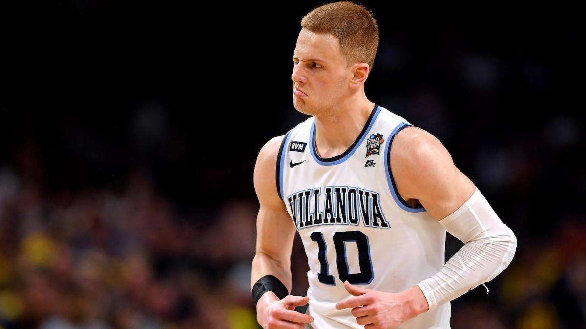 f751b4bced9 LeBron James says Villanova's Donte DiVincenzo 'made a lot of money' in  NCAA championship game - CBSSports.com