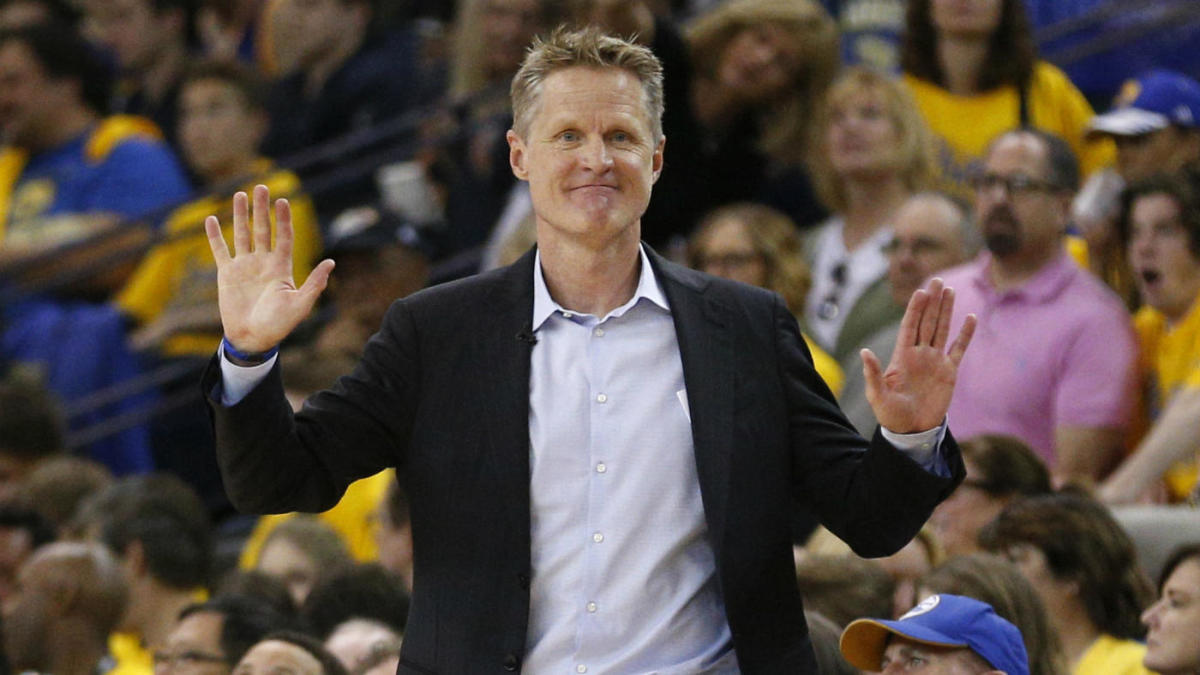 Warriors' Steve Kerr checks Spurs' Gregg Popovich with clever Game 1 lineup change
