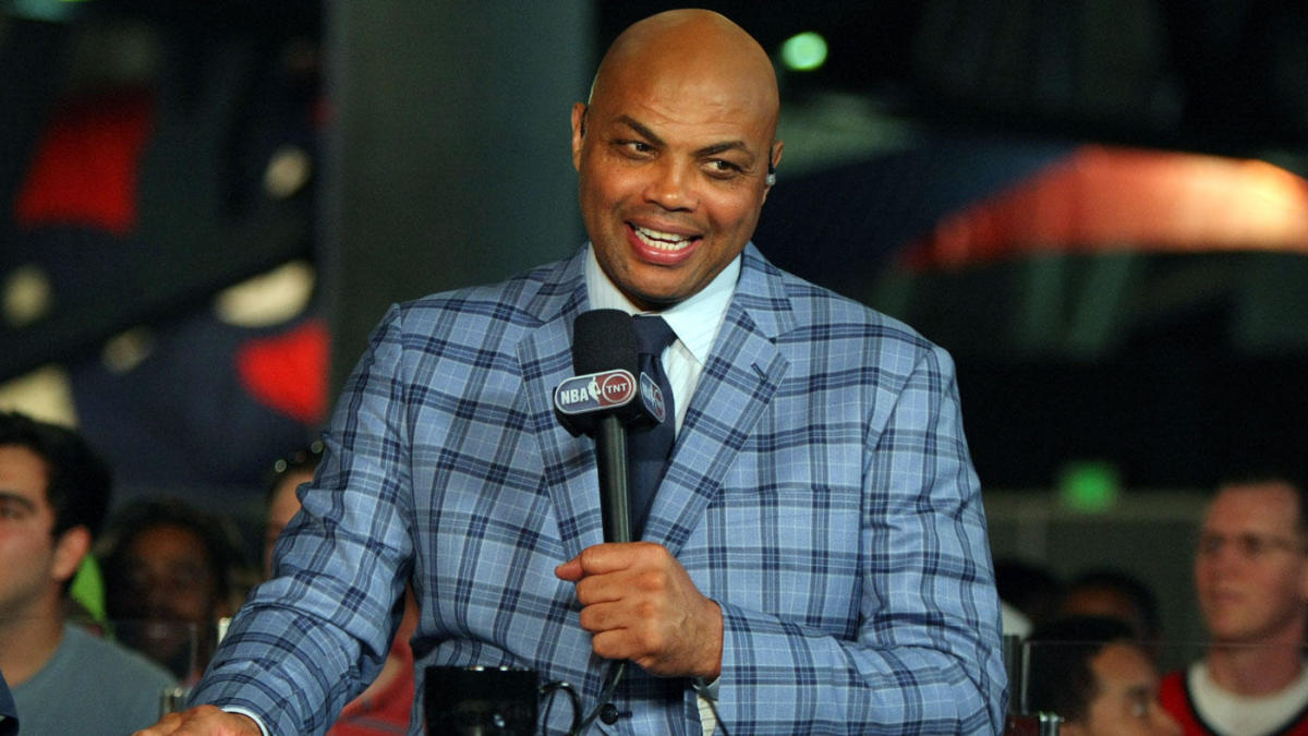 Watch Charles Barkley Gives Auburn Basketball Team A
