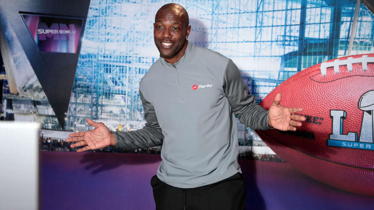cee8722e3 CFL s Eskimos release Terrell Owens from negotiation list