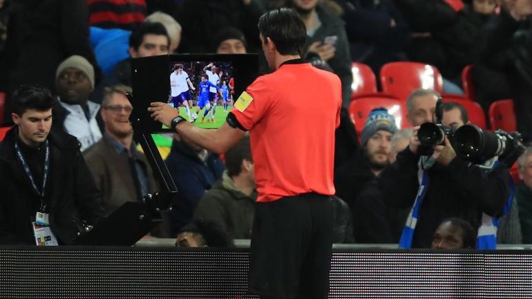 Fifa-var-referee