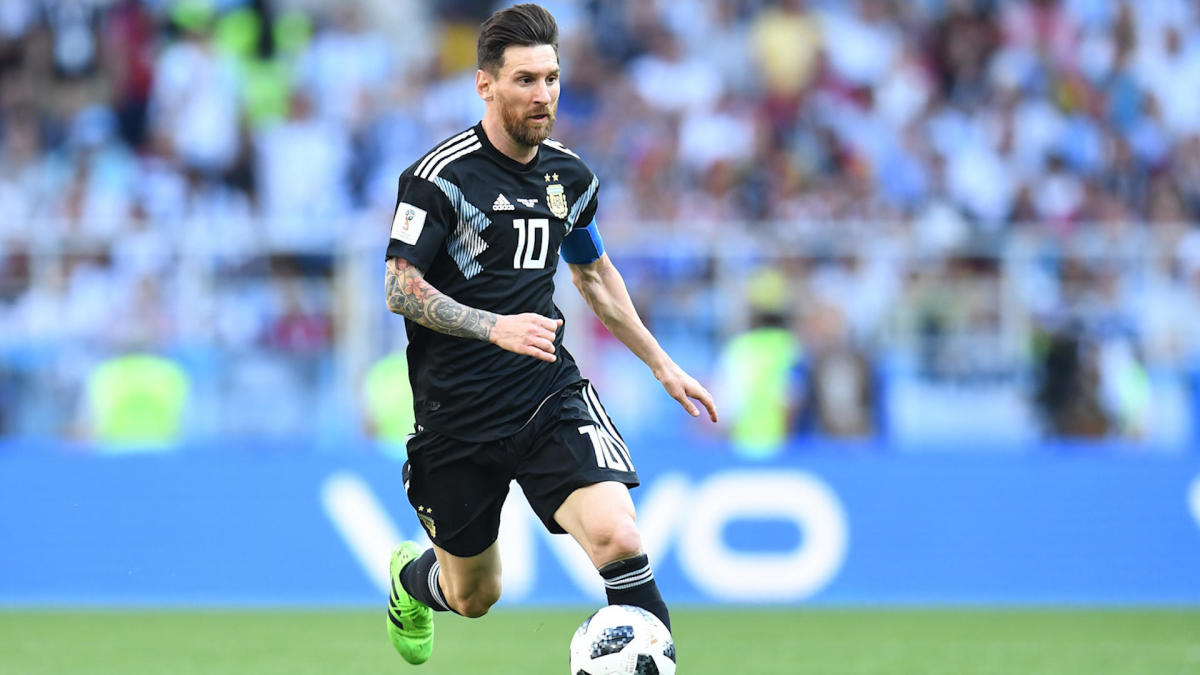 Messi surprises World Cup reporter with one simple gesture that warms his heart