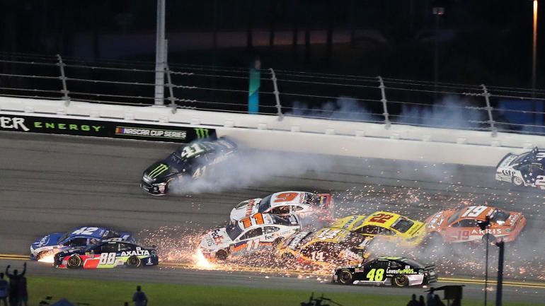 NASCAR Coke Zero Sugar 400 at Daytona LIVE updates, results: Ricky Stenhouse Jr. causes two huge wrecks, sweep stages