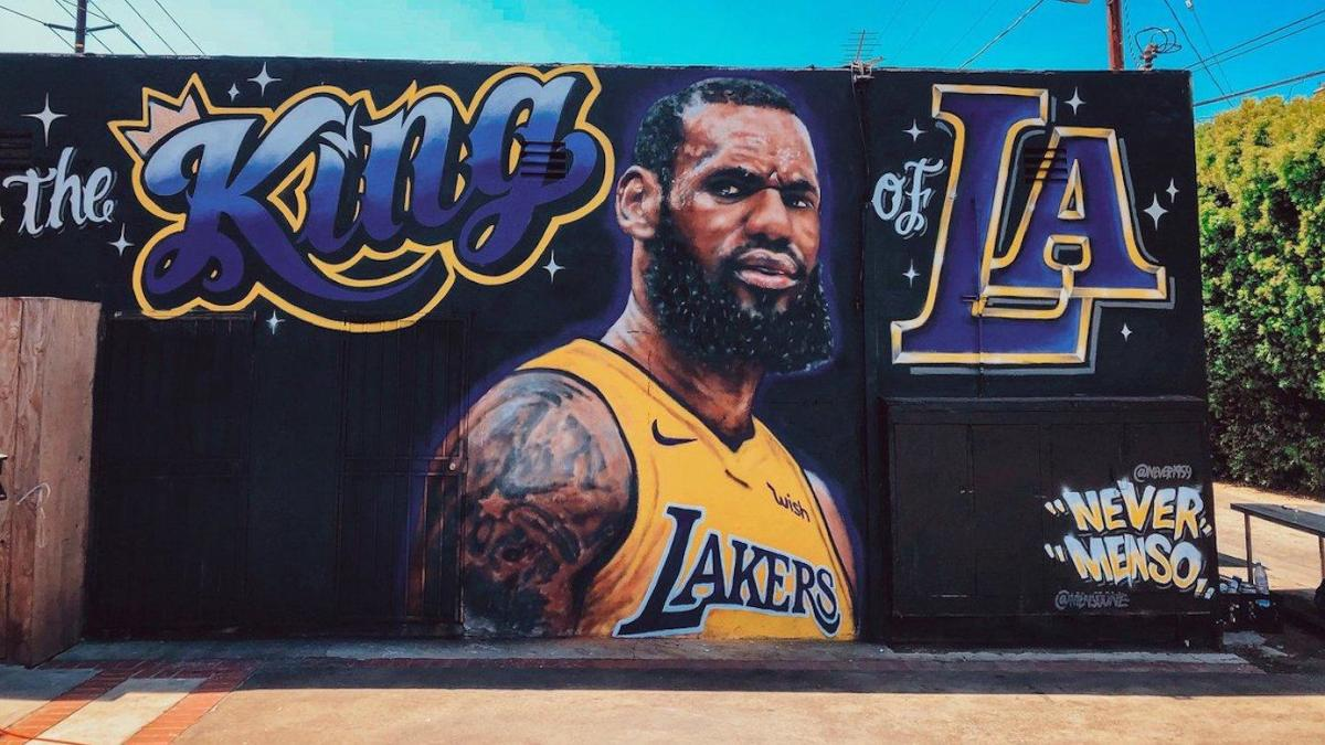 Lebron James Mural In L A Erased By Original Artist After Another Case Of Vandalism Cbssports Com