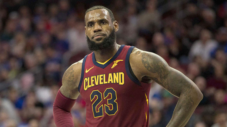 56ab3ffda02 Lakers  eager to see  LeBron James at center in their version of Warriors   Death  Lineup