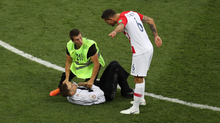 World Cup Final Pitch Invaders Interrupt France Vs Croatia Match In Russia Cbssports Com