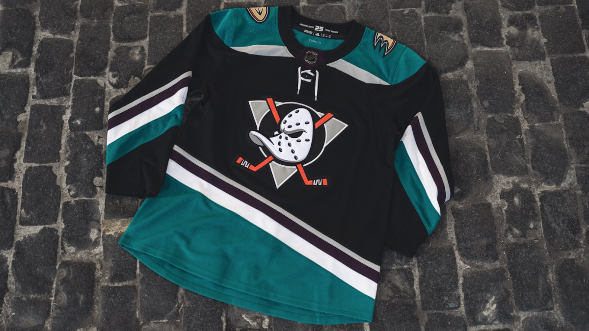 1ff3a8192 Anaheim Ducks bring back Mighty Ducks logo for third jersey, with a modern  twist - CBSSports.com