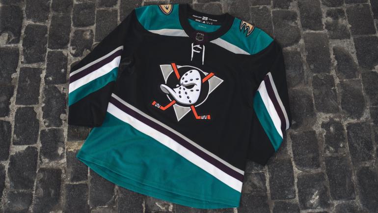 192910ca1 Anaheim Ducks bring back Mighty Ducks logo for third jersey
