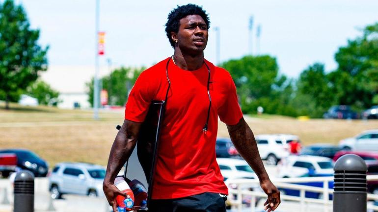 LOOK: Chiefs WR Sammy Watkins cut off his signature dreadlocks to prove he's all about business ...