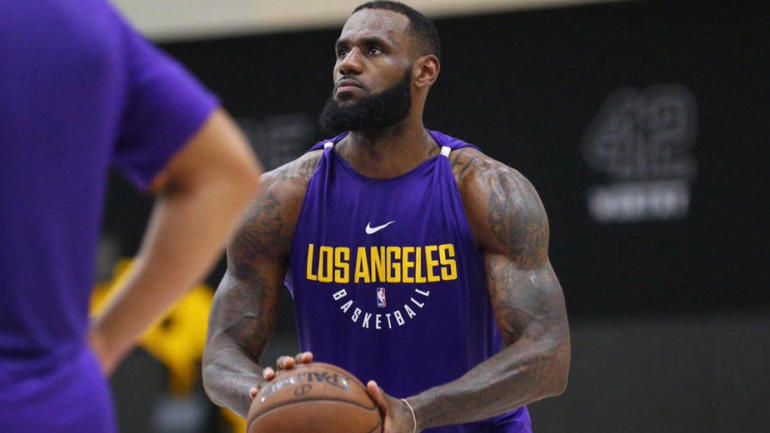 Magic Johnson: LeBron James will be model for young Lakers on how to 'dominate' on and off court