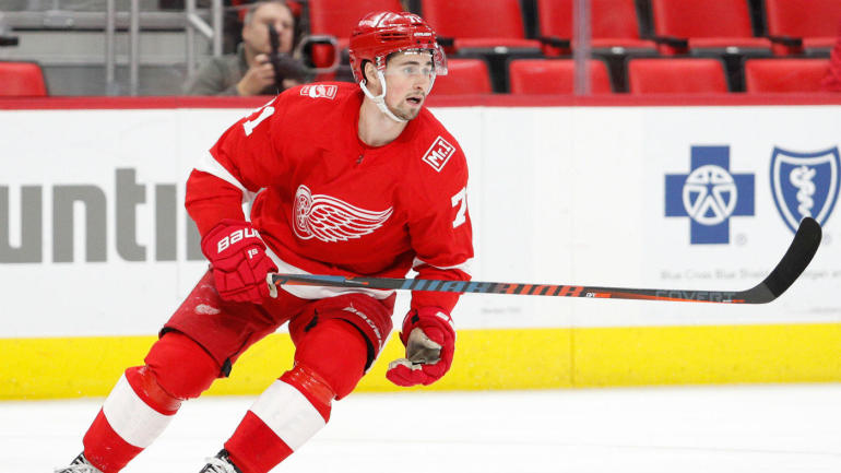 Red Wings sign star center Dylan Larkin to 5-year contract extension worth $30.5M