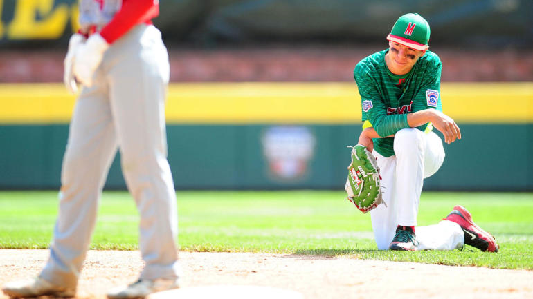 Little League World Series: Players scoop up infield dirt to take home following heartbreaking elimination
