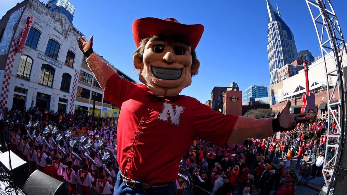 Nebraska says it's 'fully committed' to Big Ten Conference despite 2020 college football season cancellation – CBS Sports