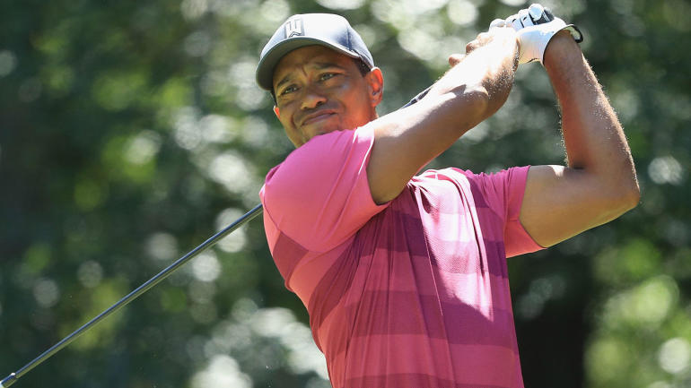 tiger woods score  surge in round 2 pushes woods into