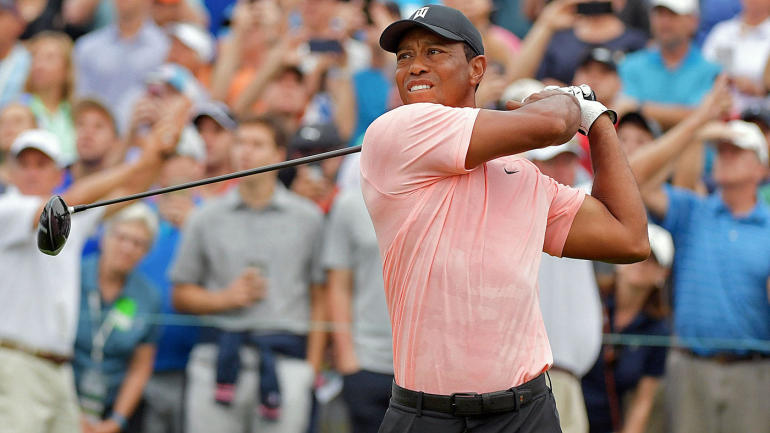 tiger woods score  poor finish leaves him stalled in round