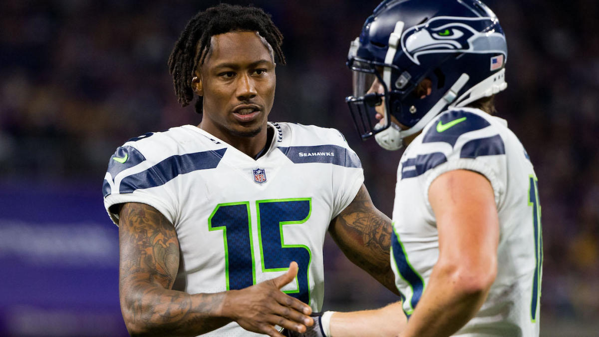 hot sale online 4c386 f9b70 Former Pro Bowl receiver Brandon Marshall reportedly working ...