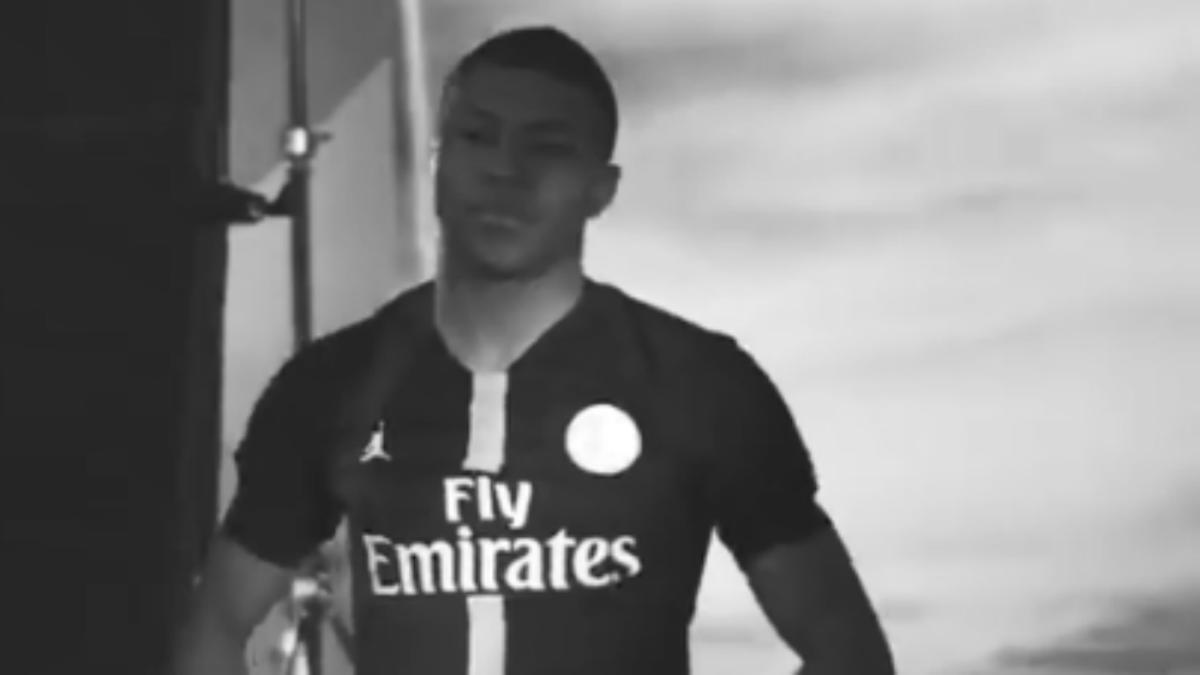 Paris Saint-Germain becomes first pro soccer club to wear Air Jordan