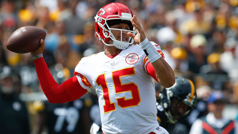 Sorting The Sunday Pile Week  Patrick Mahomes Sets Nfl Td Record As Chiefs Explode Again Cbssports Com