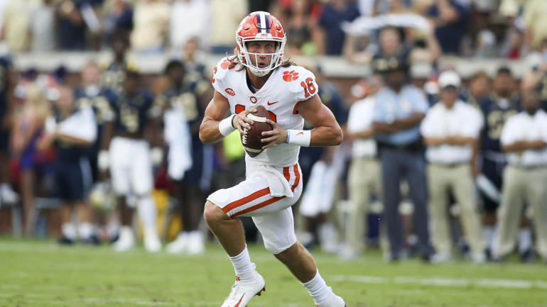 Week 8 college football picks, games, odds: Clemson, Michigan on upset alert