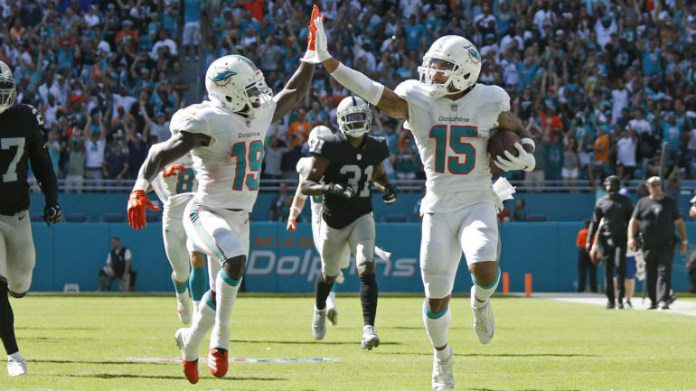 NFL Week 3 Celebration Grades: Albert Wilson and Jakeem Grant's high-speed high-five wins the ...