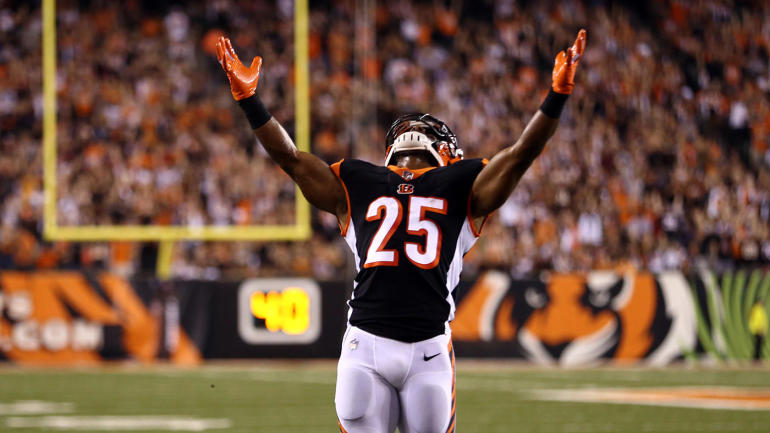 Fantasy Football Week 4 Start  Em   Sit  Em  Matchup vs. Falcons makes  Giovani Bernard a must-start - CBSSports.com 6a2b063c8