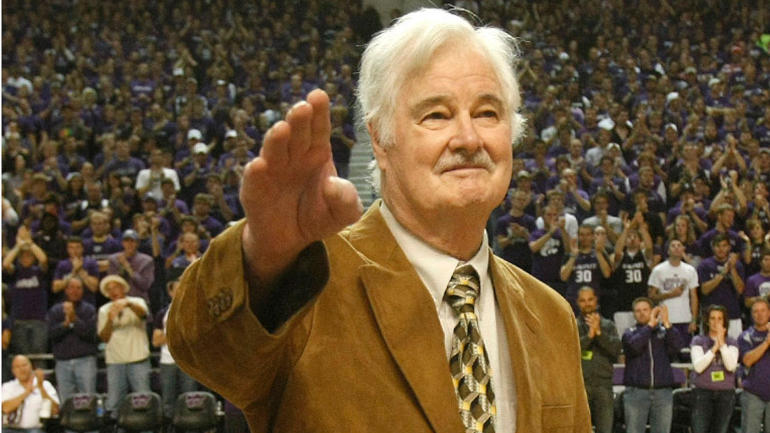 Former Nba Coach Tex Winter Architect Of The Triangle