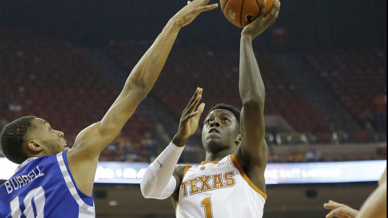 0e2224ab42534c Texas  Andrew Jones gets standing ovation after returning to court from  leukemia fight