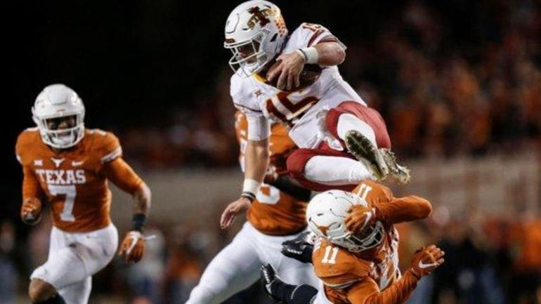 Iowa State victory moves Texas No  11 in AP Top 25, Coaches