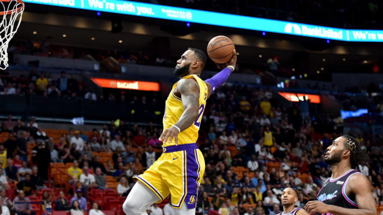863bbe78a80 Lakers  LeBron James drops season-high 51 points against Heat in return to  Miami - CBSSports.com