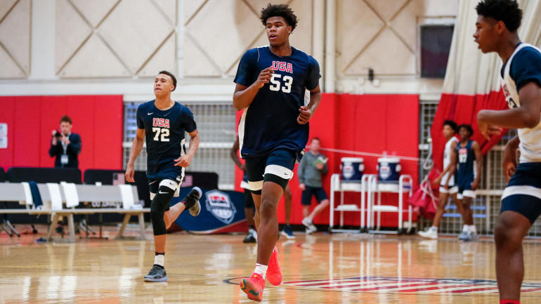 efe929eeee69 College basketball recruiting  No. 2 prospect in nation Vernon Carey commits  to Duke over Michigan State