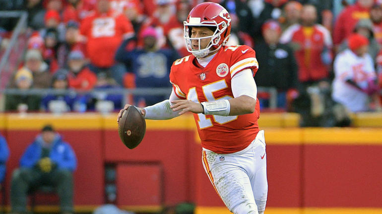 These two incredible plays by Patrick Mahomes propelled the Chiefs past the  Ravens - CBSSports.com adc6e452c