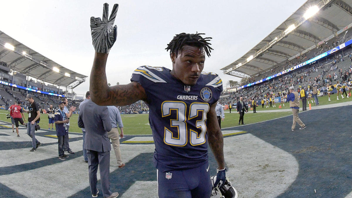 release date: 92619 562f5 Chargers' Derwin James reportedly needs surgery on broken ...